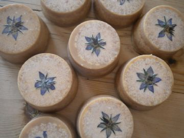 Goatsmilk, Borage Honey & Oatmeal Soap